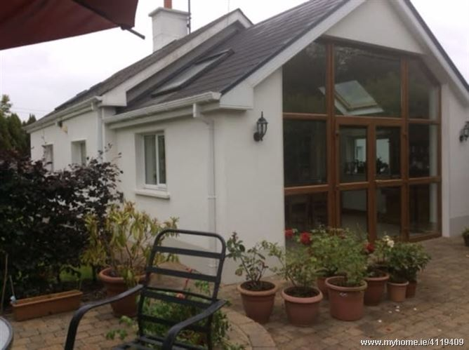Photo of Cosy room in the countryside, Dysart, Co. Roscommon