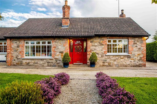Whitecross Cottage, Starinagh, Collon, Louth
