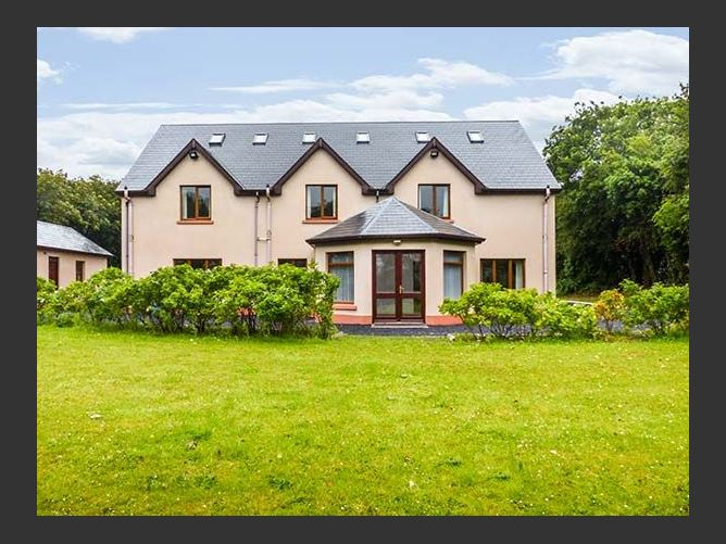 Main image for Orchard House, BALLYVAUGHAN, COUNTY CLARE, Rep. of Ireland