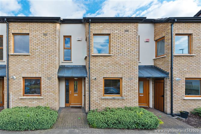 Main image for 13 Hunters Hill, Ballycullen, Dublin 24