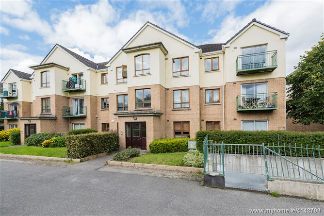 53 The Square, Larchill, Santry, Dublin 9