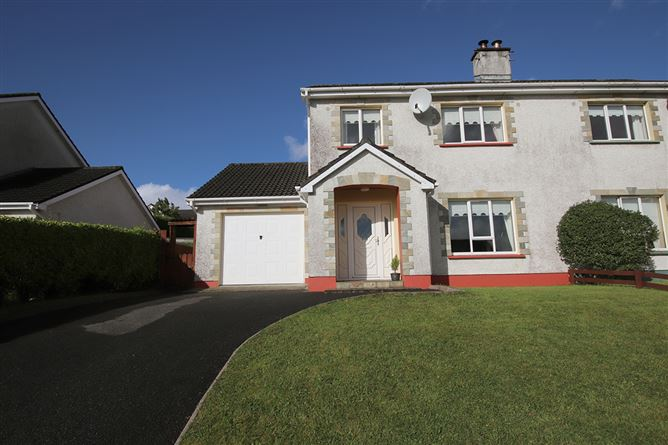 Main image for 28 Parkhead, Killybegs, Donegal