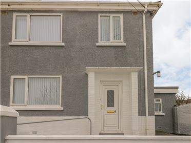 Main image of Cwtch Ar Y Mor,Burry Port, Carmarthenshire, Wales
