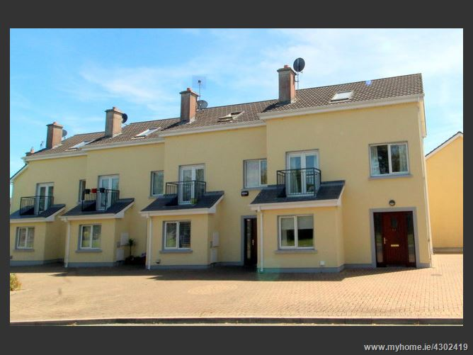 Banner Court, Ennis, Clare