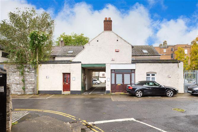 Main image for 98/100 Baggot Lane, Ballsbridge, Dublin 4