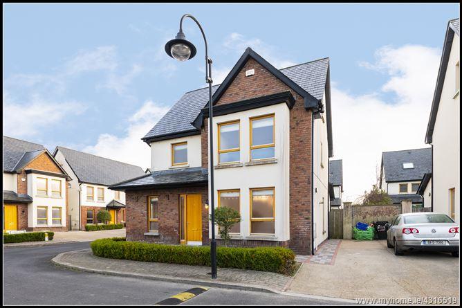Main image for 8 Chapelwood Avenue, Hollystown, Dublin 15