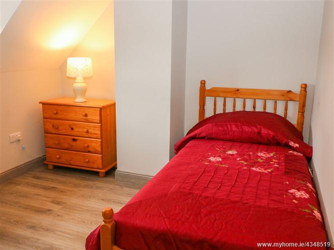 Main image for 38 Castlewood Park,38 Castlewood Park, 38 Castlewood Park, Killerisk, Tralee, Co Kerry, V92 F1C8, Ireland
