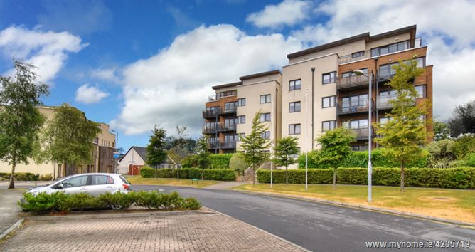 15 The Crescent Carrickmines Manor
