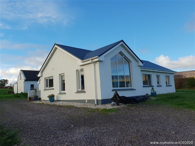 Ref 811 - Emerald House, Ballinakilla, Mastergeehy, Killarney, Kerry