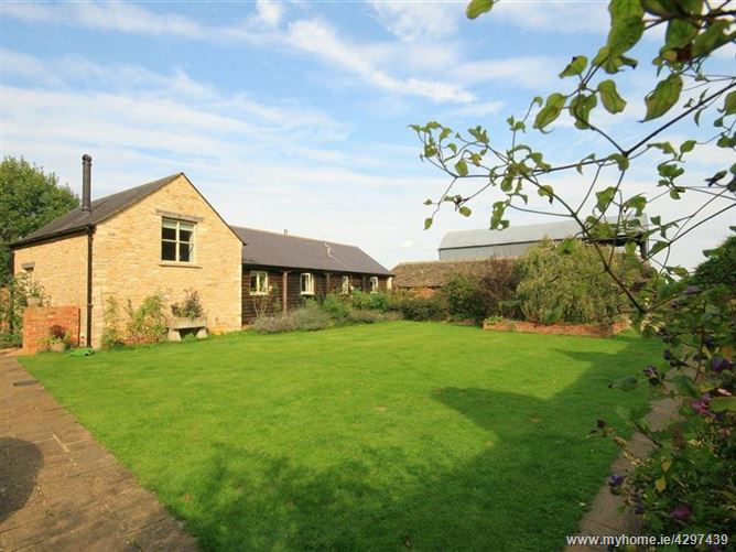 Main image for Dairy Cottage,Cirencester, Wiltshire, United Kingdom