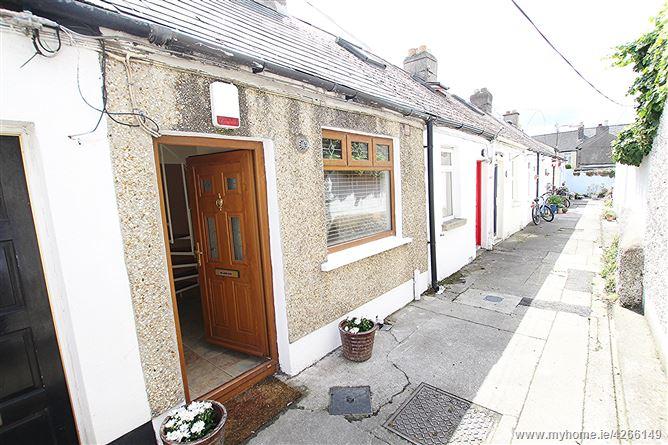2 St Brigid's Cottages, St Brigid's Avenue, North Strand, Dublin 3