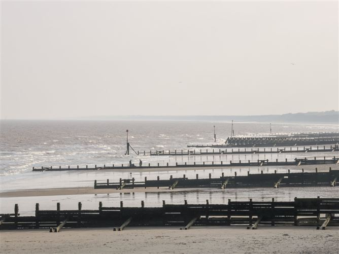 Main image for 8 Mere View Avenue,Hornsea, East Riding of Yorkshire, United Kingdom