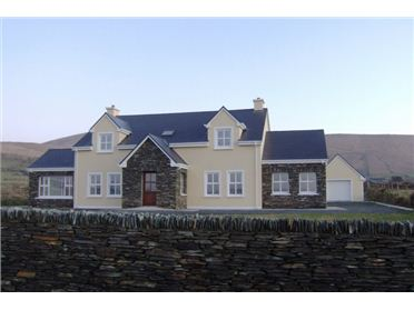 Main image of Doora, Large Luxury Family Home, Portmagee