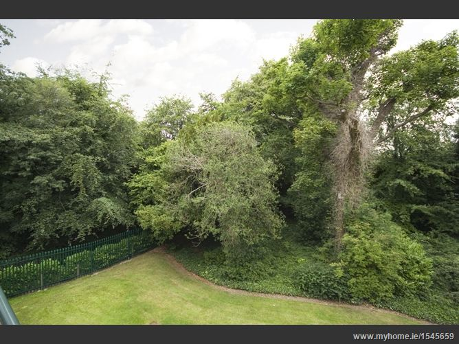 19 Merrion Woods, Booterstown,  Dublin County