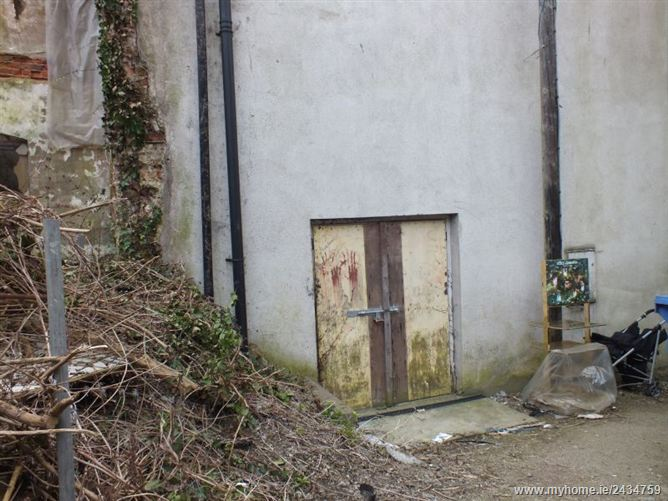 Lock Up Store off North Main Street, Wexford Town, Wexford