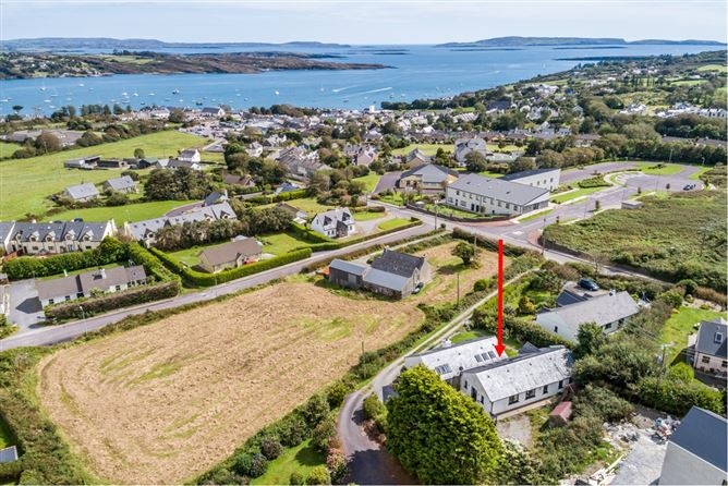 2 Bay View, Ardmanagh Road, Schull,   West Cork