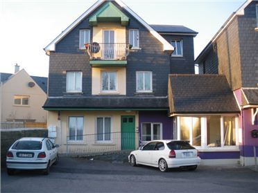 Top Floor Apartment, Emmet Lodge, Emmet Square, Clonakilty, Co. Cork