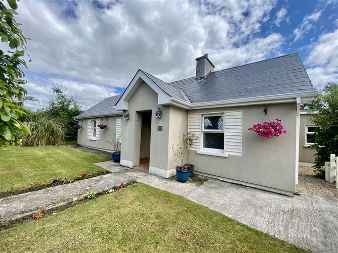 Main image for Sunday Cottage, Kilmaddore, Carrick-on-Shannon, Leitrim