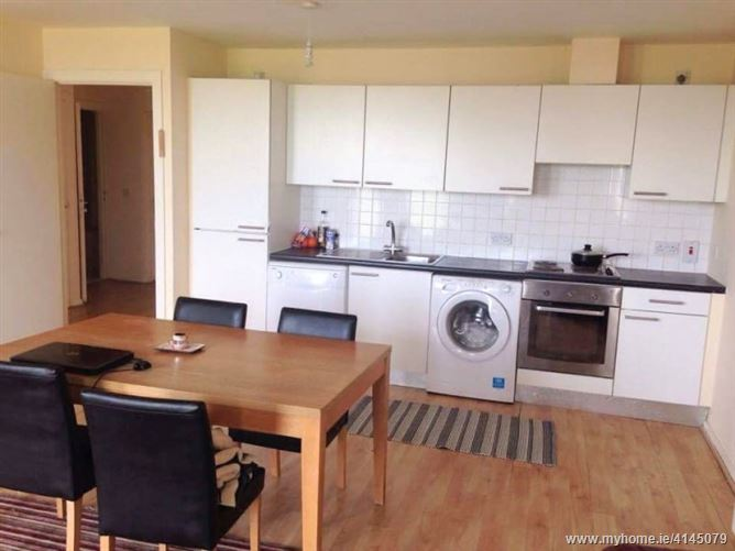 Room in perfect location!, Ballymun, Dublin 9