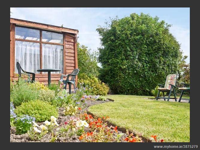 Main image for Linbery  Cottage,Oakerthorpe, Derbyshire, United Kingdom