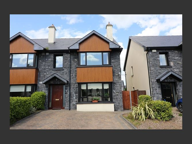 8 Slí Na Gcapall, Craughwell, Galway