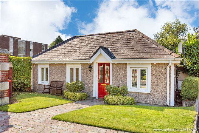 Gate Lodge, Auburn House, 118 Howth Road, Clontarf, DUBLIN 3