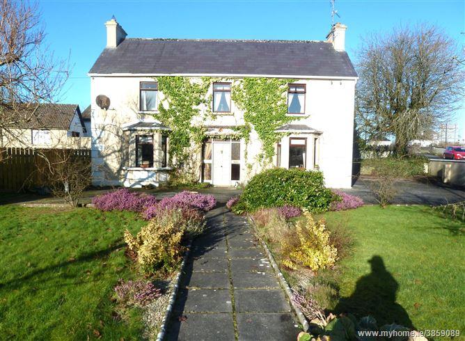 Ballyvary Village, Ballyvary, Castlebar, Mayo