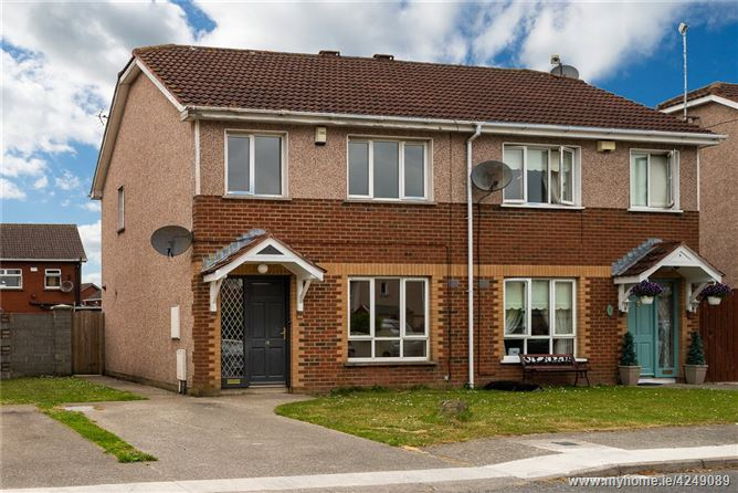 18 Woodville Manor, Tom Bellew Avenue, Dundalk, Co Louth, A91 C2R7