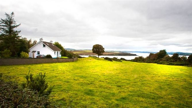 Main image for Glen's Cottage - Inch Island, Donegal