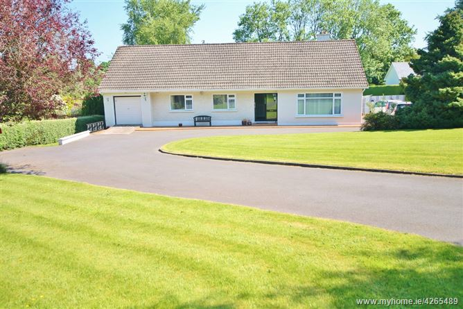 Detached Four Bedroom Bungalow on c. 0.56 Acre, Bishopsland, Ballymore Eustace, Naas, Kildare