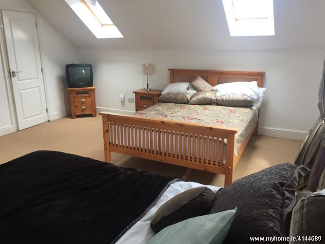 Homestay in Lucan village, Lucan, Co. Dublin