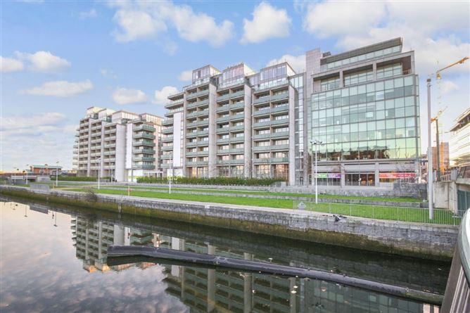 Main image for 62 Baltrasna House, Spencer Dock, IFSC, Dublin 1
