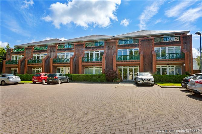 Main image for 16 Dundrum Castle House, Dundrum, Dublin 16