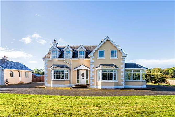 Main image for Residence & Stables on c. 14 Acres, Nurney, Kildare