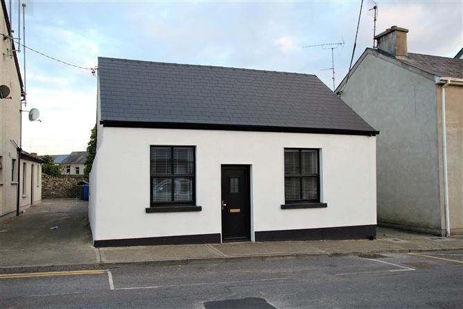 Main image for Suffolk Street, Kells, Meath