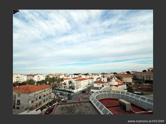 Calle Bela Bartok, 29620, Torremolinos, Spain